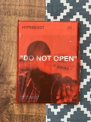"""Hypebeast Magazine Issue 20 Cover By Virgil Abloh Off White Ft """"The Ten"""" 🚧 🔥"""
