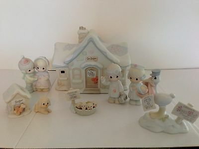 $ Precious Moments Sugar Town Dr Doctor Office Set Collectable Christmas