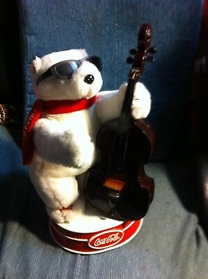 "Coca Cola Polar Bear Plays Music ""Things Better With Coke"""