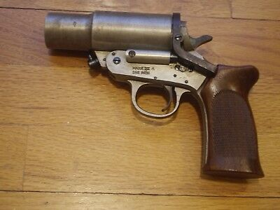WW II H&R Cowdrey Mark III A One Inch Flare Pistol Very Rare Superb Cosmetics!!