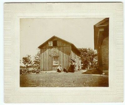 VINTAGE RARE FAMILY HOMESTEAD CANINE: Man and Woman with a Dog Cabinet Card