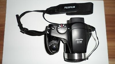 Fujifilm FinePix S5700 - Camera Case Bag and FUJIFILM H 256mb XD MEMO FREE!!!