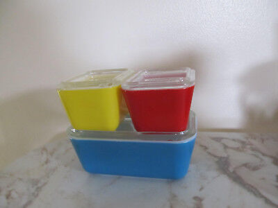 VTG 3 Pyrex Refrigerator Dishes +  3 Lids 1 Red 1 Blue 1 Yellow Primary colors