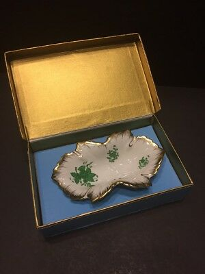 Herend Green Apponyi pattern Leaf Dish #7724 in presentation box