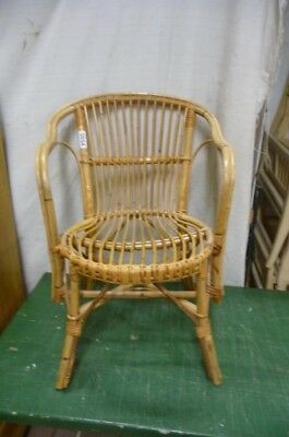 5054. Alter Rattan Stuhl  Old wooden chair