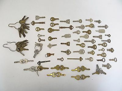 Mixed Lot of Antique & Vintage Used Metal Brass, Steel Cut Lock Safe Car Keys