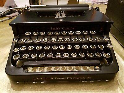 1931 Smith Corona Standard Typewriter Flat Top #1026974T. Works Great !