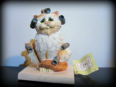 Comic & Curious Cats Linda Jane Smith Border Fine arts Bed Head Tabby Figurine