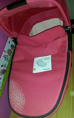 Maxi cosi foldable carrycot pram rain&mosquito cover included