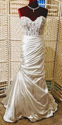 STUNNING mermaid style wedding dress by MAGGIE SOTTERO. BNWT. Size 10