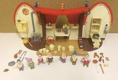 Official Disney Simba Snow White House/Cottage Playset Toy With 7 Dwarf Figures