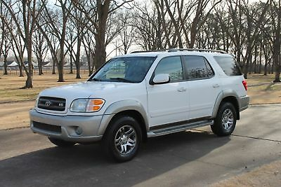 2004 Toyota Sequoia SR5 8-Passenger Perfect Carfax Perfect Carfax Great Service History Leather Seats 8-Passenger Seating