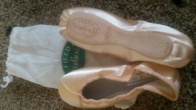 Freed Studio 2 Ballet Pointe Shoes Brand New! Size 4.5D, Hard shank