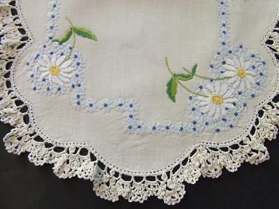 Large Unused Hand Embroidered Table Centre - White Shasta Daisies - Crochet Edge