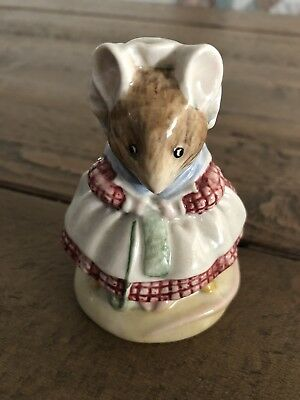 Beatrix Potter Old Women Living in a Shoe Knitting Figurines