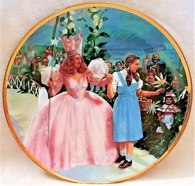 """Wizard Of Oz Hamilton Collection Plate """"a Glimpse Of The Munchkins"""" Exc Cond"""