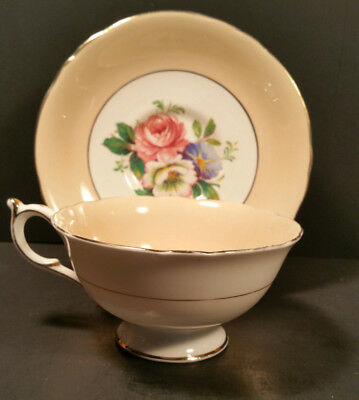 Paragon HM the Queen & HM the Queen Mary light salmon teacup saucer set floral