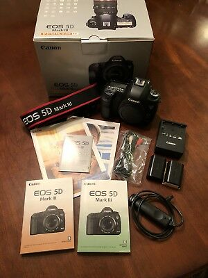Canon 5D Mark III. Extra battery+ Low shutter count!!! With original box+++