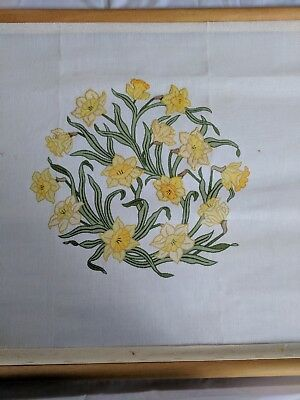 Traditional Needlepoint kit - Daffodils From Beth Russel - Designers Forum