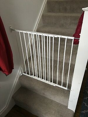 Baby Dan No Trip Screw Mounted Metal Safety Stair Gate White 72 To 78.5 Cm