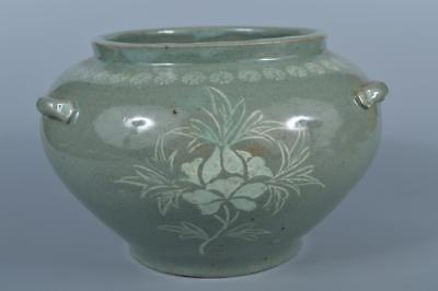 K2004: Korean Goryeo celadon Flower inlay Shapely FLOWER VASE Ikebana