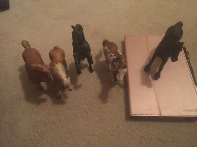 Schleich lot of 5 horses and a cow. Good condition