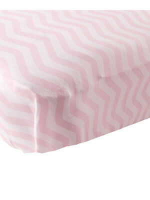 """Luvable Friends """"Soft Zigzag"""" Fitted Crib Sheet (28"""" x 52"""")"""