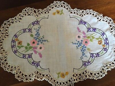 Lovely Vintage Linen Hand Embroidered Spring Flowers Large Doily Craft or use