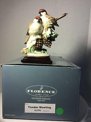 Giuseppe Armani Figurine Tender Meeting 1639S Two Birds Snow Pinecones Italy OB