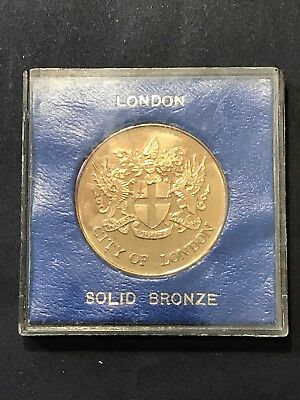 Vintage Souvenir Coin Medallion CITY OF LONDON Solid Bronze Coat of Arms in Case