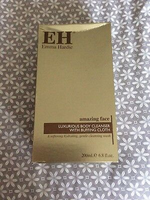 Emma Hardie Luxurious Body Cleanser and Buffing cloth 200ml brand new