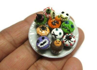 10 Miniatures Halloween Cupcakes Dollhouse Miniatures Food Bakery 2