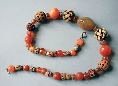 ANTIQUE JAPANESE OJIME NECKLACE 43 beads of amber carnelian peking glass etc