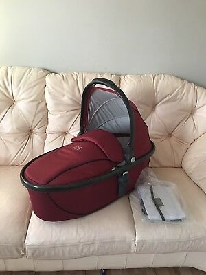 Babystyle Egg Carrycot Berry Red BN raincover