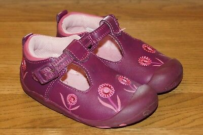 START RITE girl's infant shoes Size 5.5G