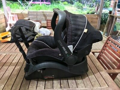 Steelcraft Strider Plus Pram with attachable capsule carseat and base