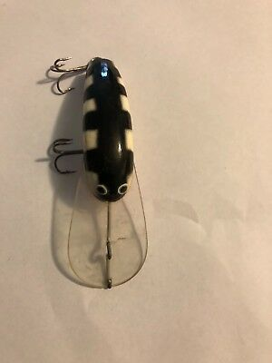 used sweetwater timber 60mm cod yellow belly lure