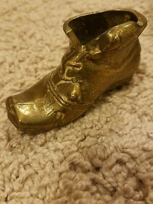 VINTAGE PEERAGE ENGLAND Solid  Brass Antique Style Mini Shoe Figurine