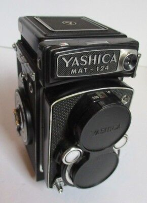 Yashica Mat-124 Twin Lens Reflex Camera w/case - Beautiful Condition