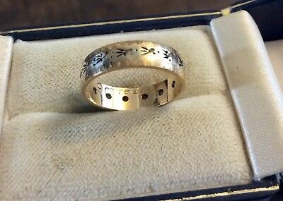 Beautiful Ladies Stamped Vintage 9CT White Gold / Yellow Gold Diamond Band - L