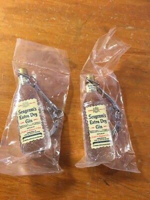 Lot Of 2 Vintage Seagrams Extra Dry Gin Plastic Bottle Keychains New