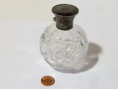 1915 Large Cut Glass & Solid Silver Scent Perfume Bottle & Cut Glass Stopper
