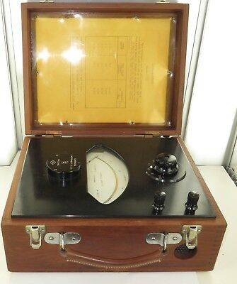 .SUPER VINTAGE CAMBRIDGE INSTRUMENT Co WOODEN CASE AMMETER FOR MEASURING AMPERES