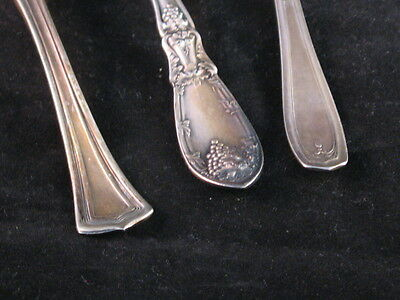 3 Silver plate A1 Rogers 1881 - Knives 2 Twisted 1 butter - Nice patterns - Used