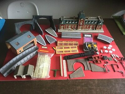 Hornby Railways Station And Platforms Job Lot. .  OO Gauge