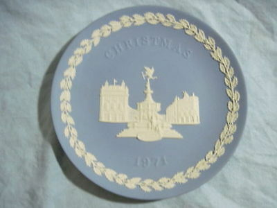 1971 WEDGWOOD CHRISTMAS PLATE Blue Jasperware PICCADILLY CIRCUS