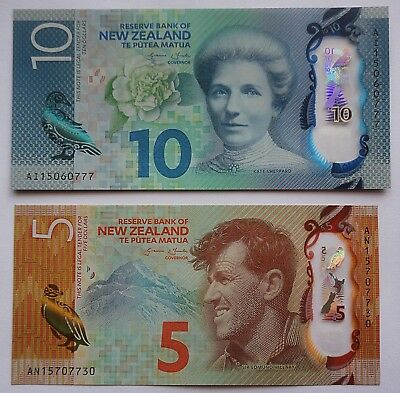 2015 ~ New Zealand banknotes $10 & $5  Perfect polymer notes UNC pair ***