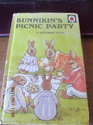 pre read ladybird book,bunnikins picnic party,series 401 ,1940 re issue