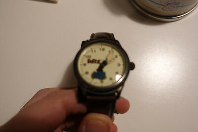 Fossil Popeye Watch With Collector Can & Statue Base - Limited Edition