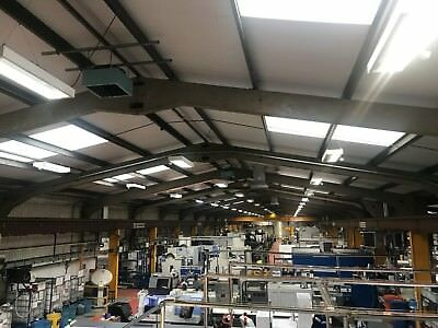 TRAC HL454 4X54W TL5 FLUORESCENT LIGHT FITTING Partially working order